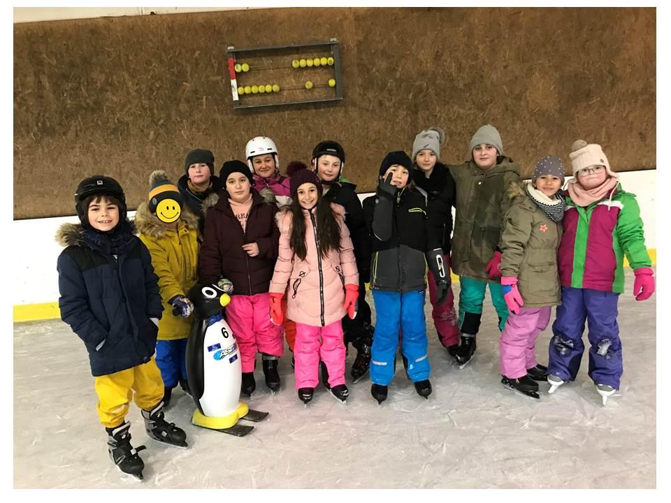 Schi  - und Eislauftag der Klassen 3ai, 3b und 4ai